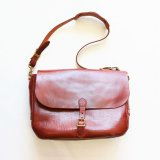 Aging sample   vasco  LEATHER POSTMAN SHOULDER BAG  CAMEL