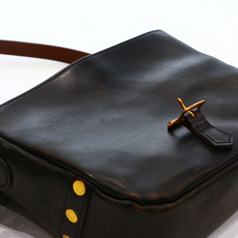 ヴァスコ【vasco】 LEATHER POSTMAN MINI SHOULDER BAG レザーポストマンミニショルダーバッグ